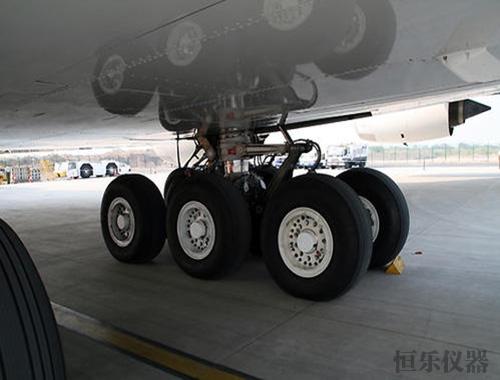 飞机起落架支柱加载试验系统